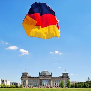 Fahne vor Reichstag