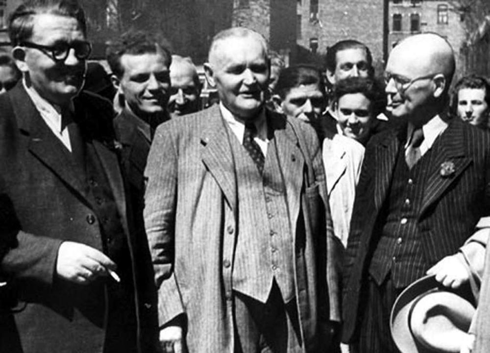 Hans Böckler mit Honoratioren der Stadt Köln 1951.