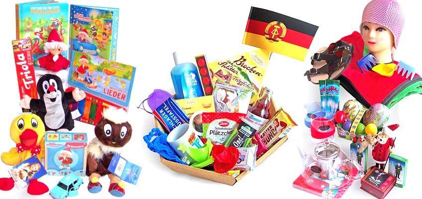 Ost-Produkte von Kinderbüchern, Sandmännchen bis DDR-Papierfähnchen ausgestellt in einem Ostalgieladen.