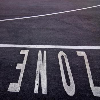 Fahrbahnmarkierung ZONE