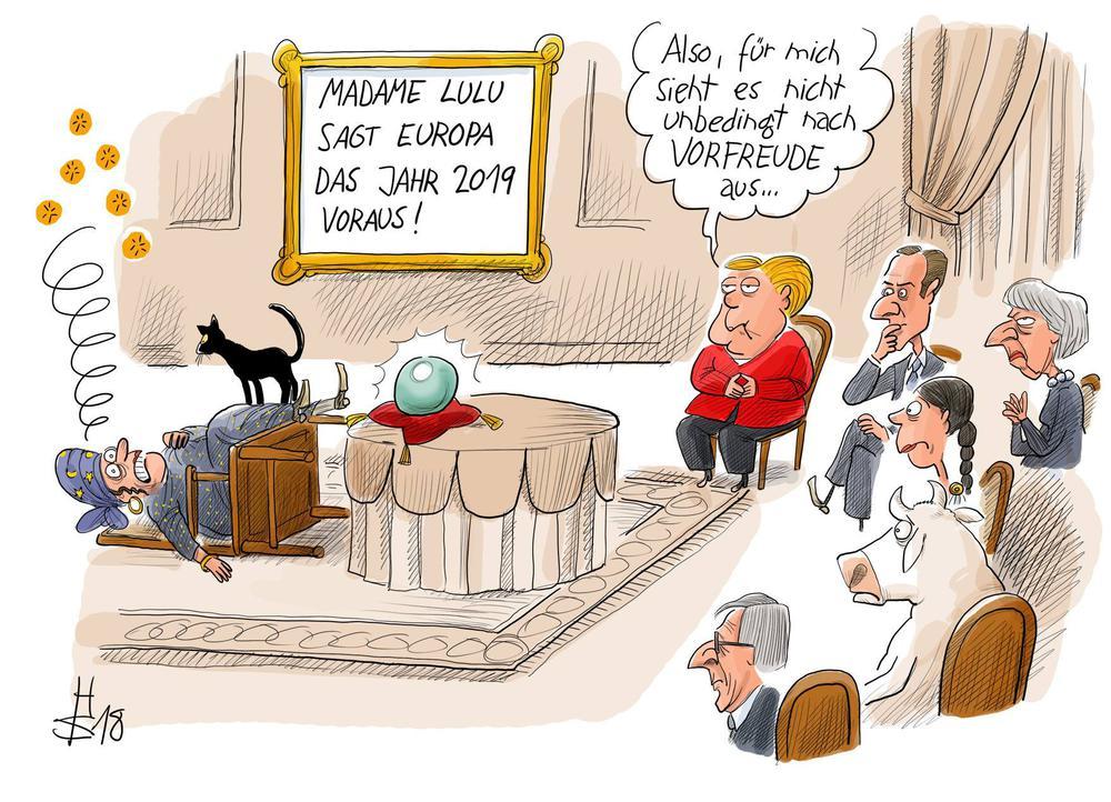 Karikatur mit einer Wahrsagerin, die in Ohnmacht fällt, als die Zukunft für Europa in einer Glaskugel vorhersagen will. Angela Merkel und Theresay May schauen zu.