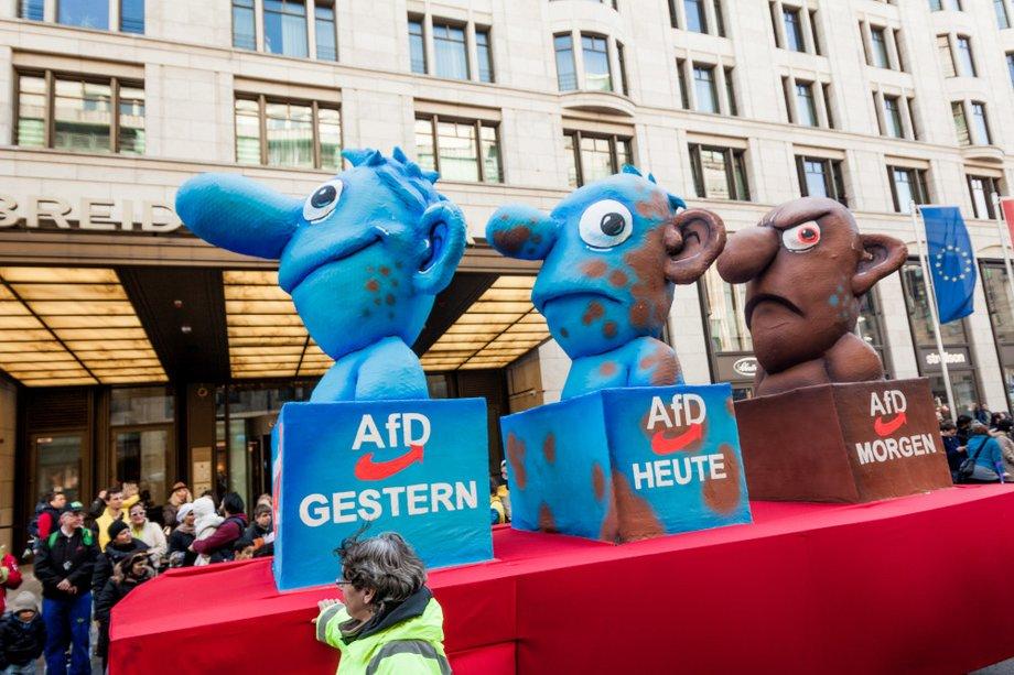 AfD Wagen auf dem Düsseldorfer Karneval 2016