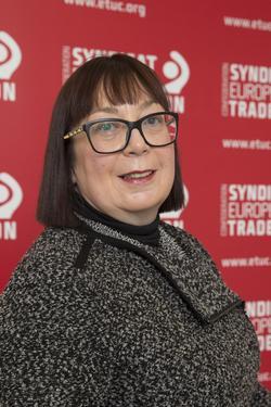 Porträt Esther Lynch
