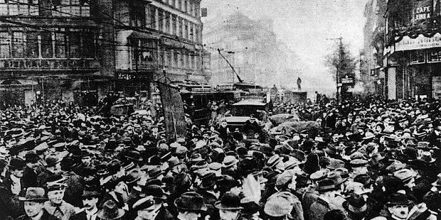 Demonstration im November 1918 in Berlin.
