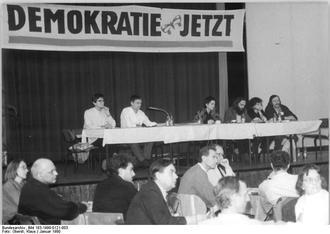 Versammlung der Bürgerbewegung Demokratie Jetzt in Ost-Berlin 1990