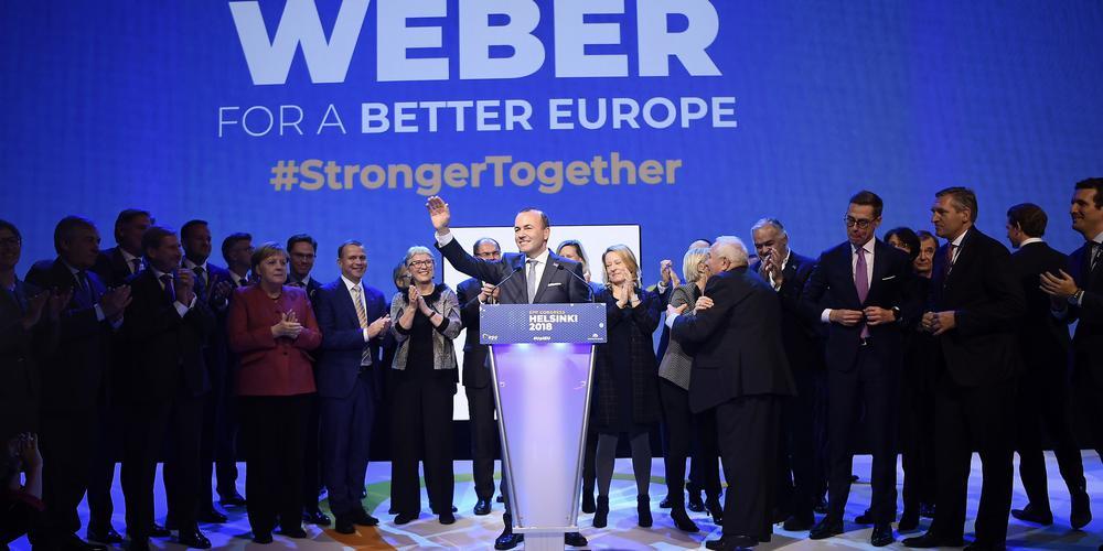 Kanzlerin Angela Merkel im Kreis von CDU-Politikern aus Pforzheim.