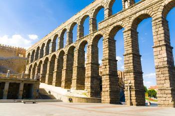 Römisches Aquädukt in Segovia (Spanien).