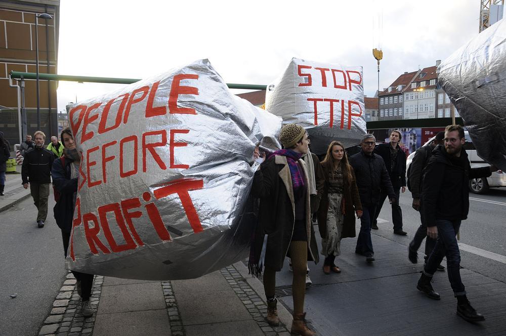Protest gegen die Freihandelsabkommen TTIP und CETA.