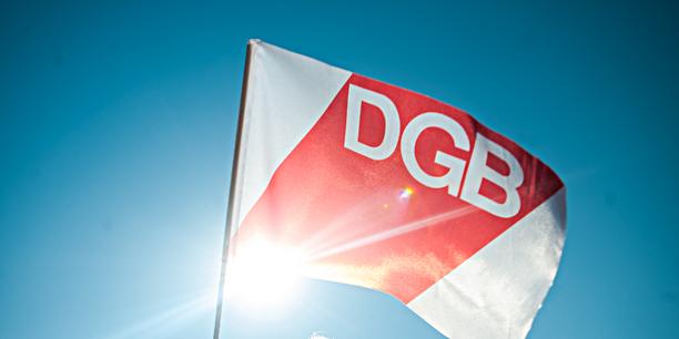 DGB-Flagge im Gegenlicht