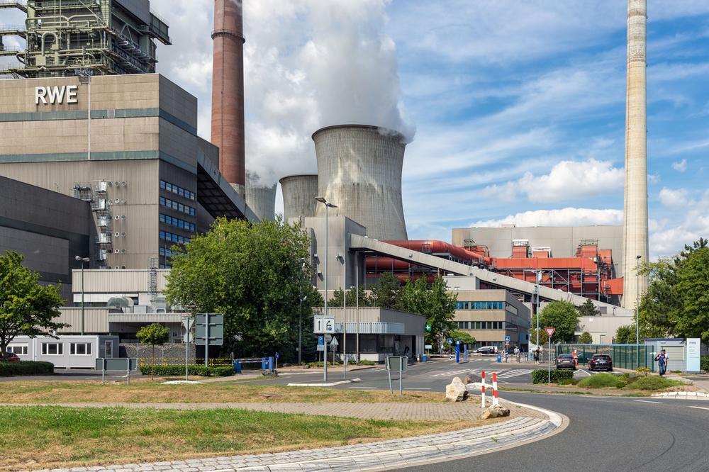 Kohlekraftwerk von RWE in Frimmersdorf