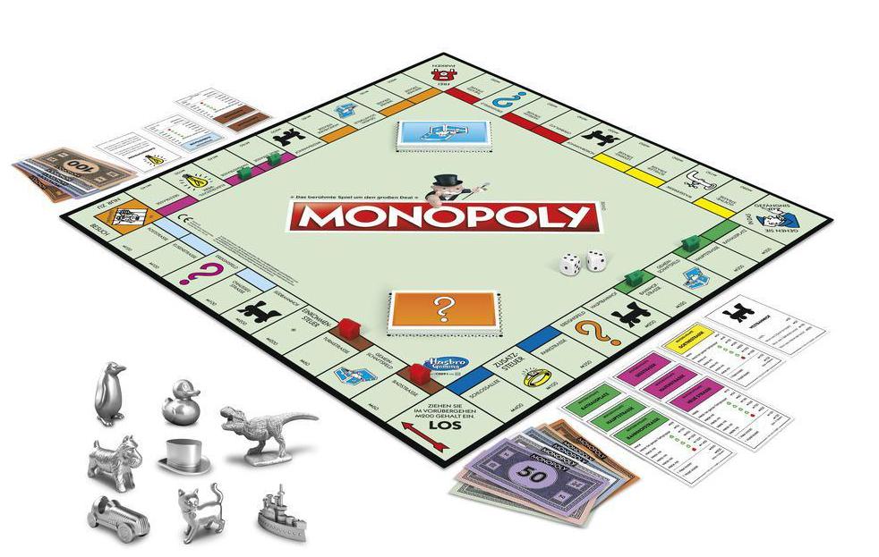 Monopoly-Spielfeld mit Figuren, Geld, Karten