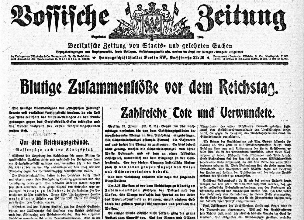 """Ausschnitt der Titelseite der Vossischen Zeitung vom 14.1.1913 mit der Schlagzeile """"Blutige Zusammenstöße vor dem Reichstag. Zahlreiche Tote und Verwundete"""""""