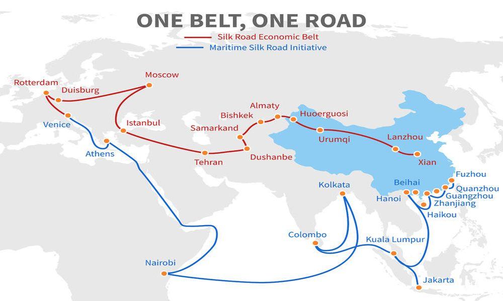 Grafik der neuen Seidenstraße mit Pfeilen auf einer Weltkarte, die die Routen markieren.